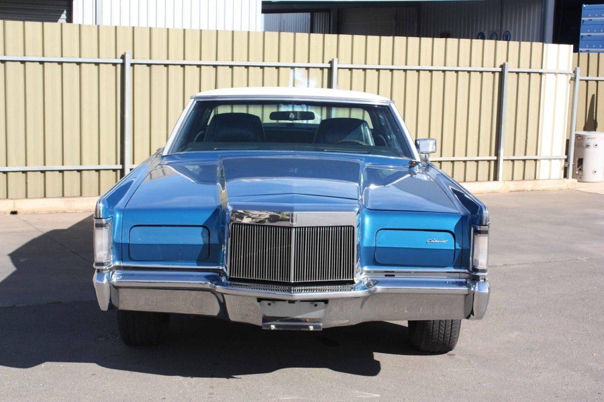 1971 Lincoln Continental - blue