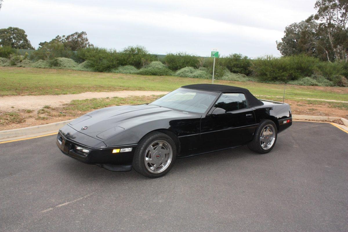 1988 Chevrolet Corvette Convertible - black